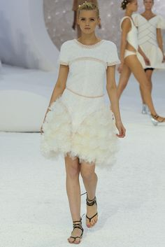 Chanel Spring 2012 Ready-to-Wear Fashion Show - Abbey Lee Kershaw (Next)