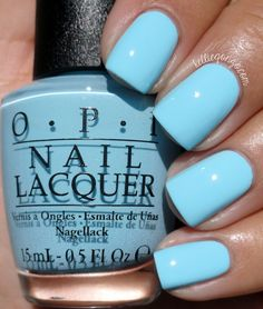 China Glaze Pearl Jammin Is A Pale Blue With A Strong Pearly Opalescent Shimmer Esmaltes
