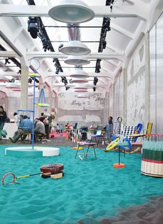 Don't Miss the Marni event: the Marni space in viale Umbria 42 has been transformed into a huge playground: Marni Playground. Mercado San Anton, Tienda Pop-up, Daycare Design, Kids Cafe, Kids Library, Clinic Design, Indoor Playground, Commercial Design, Retail Design