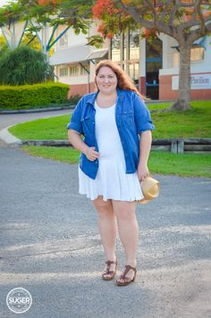Summer continues in chambray + white #plus #size #fashion #outfit #summer #ootd #17Sundays
