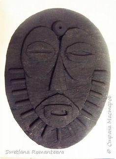 Маски из картона.   Страна Мастеров Cardboard Box Diy, Cardboard Sculpture, Wood Sculpture, Wall Sculptures, African Masks, African Art, African Pottery, Art Lessons For Kids, Masks Art