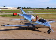 """Picture of the Bede BD-5J aircraft (One of the earliest private jets ... This is a """"Kit"""" plane). The BD-5J holds the record for the world's lightest single-engine jet aircraft, weighing only 358.8 lb"""