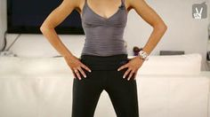 Jetzt wird den überflüssigen Pfunden der Kampf angesagt! Pilates-Coach Amiena Zylla zeigt Ihnen in ihrem Video Übungen zum Abnehmen mit Pilates.