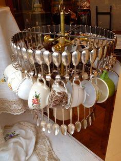 @Estefania Montoya Miraaa...la encontré! Cuando empezamos a recoger las tazas y cubiertos :P ?