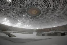 Bulgaria's abandoned Socialist monument is secretly on the ice planet Hoth Abandoned Buildings, Abandoned Places, Mysterious Places, Socialism, Communism, Image Of The Day, Urban Exploration, Bulgarian, Brutalist