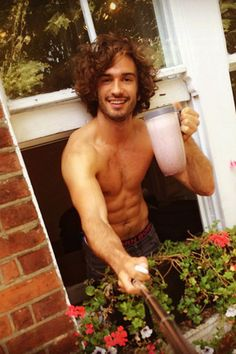 The Body Coach, Joe Wicks, is winning Instagram right now. Here's our pick of his best #leanin15 fat-burning recipes from his 90 Day SSS plan...