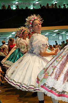 Czechoslovakia Dances | czech-gowns-3.jpg czech, czech republic, dance, dancing, europe, folk ...