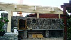 Jak jsme stavěli venkovní kuchyň | Svět pod střechou - Vintage a provence dekorace do bytu Outdoor Kitchen Design, Idaho, Provence, Pergola, Outdoor Structures, Garden, Woods, Garten, Outdoor Pergola