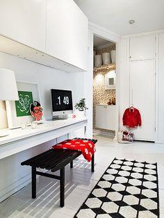 Top 30 Scandinavian home desks for your interior design options - Contemporary & Modern Furniture Modern Apartment Design, Home Office Design, House Design, Studio Design, Scandinavian Interior Design, Scandinavian Home, Swedish Design, Salons Cosy, Cosy Home
