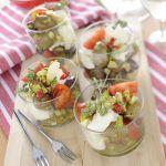 Se cerchi un antipasto gustoso e originale in grado di celebrare i prodotti locali pugliesi, leggi la ricetta dei bicchierini con olive e burrata di Sale&Pepe.