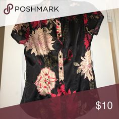 Floral collared button down 97% polyester 3%spandex Wet Seal Tops Blouses