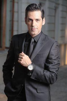 si o crosa - cea cea cea - Classic Fashion, Classic Style, Romania, Monaco, Celebrity Style, Suit Jacket, Menswear, Celebrities, How To Wear