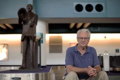 A Sculptor Puts Auto Pioneers Back on Their Feet - The New York Times