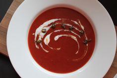 Gefälschte Tomatensuppe mit explodierten Kapern « OH, SOPHIA