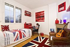 Nice Deco Chambre Union Jack that you must know, You're in good company if you're looking for Deco Chambre Union Jack Deco London, London City, Boy Room, Kids Room, Union Jack Decor, Beautiful Color Combinations, Home Interior, Girls Bedroom, Inspiration