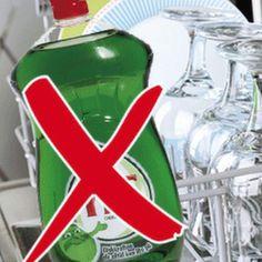 5 saker du aldrig ska använda diskmedel till