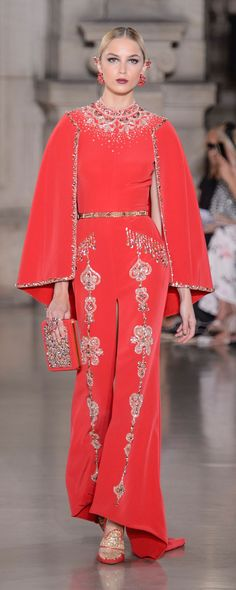 Georges Hobeika Fall-winter 2017-2018 - Couture - http://www.orientpalms.com/Georges-Hobeika-6801 - ©ImaxTree