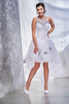 Kati Szalon - sötétkék hímzett menyasszonyi ruha, elöl rövid fazonban Hungarian wedding dress Graduation, Wedding Dress, Dresses, Fashion, Vestidos, Wedding Bride, Bride Groom Dress, Moda, Bridal Gown