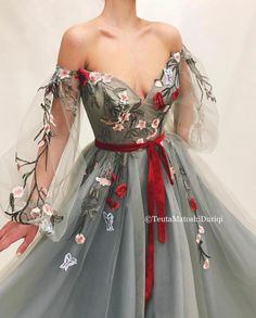 Blooming Alizarin Gown - vestidos - Blooming Alizarin Gown Details-sky gray fabric dress-tulle dress fabric-handmade embroidered red wild flowers and red velvet belt-a line form dress with V-neck and long sleeves-for parties and special events Elegant Dresses, Pretty Dresses, Beautiful Dresses, Awesome Dresses, Classic Dresses, Dress Shapes, Prom Dresses, Formal Dresses, Casual Dresses