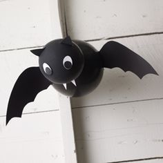 #Halloween #bats made with black balloons & paper accents