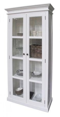 Ein klassische Vitrinemit zwei Türen im Landhausstil - Vitrinen & Geschirrschränke - Landhaus Style - Möbel