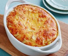Never-Fail Cheese Souffle Recipe by Food Network Kitchens : Food Network UK Souffle Recipes Easy, Brunch Recipes, Breakfast Recipes, Mexican Breakfast, Breakfast Items, Breakfast Casserole, Egg Souffle, Cheese Souffle, Cheese Muffins