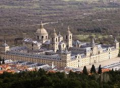 El Escorial de Madrid. L'Escurial de Madrid. 2600 fenêtres (2600 windows).