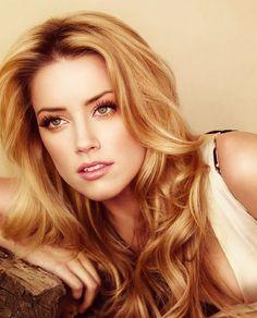 Ask a Hairstylist: The Best Shades of Blonde for Fair Skin Hair Beauté Blonde, Cool Blonde Hair, Golden Blonde Hair, Honey Blonde Hair, Shades Of Blonde, Cool Hair Color, Warm Blonde, Hair Colors, Red Hair
