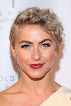 Julianne Hough's Twisted Pixie Updo