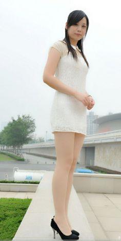 Beautiful Chinese Women, Beautiful Asian Girls, Maid Cosplay, Japan Girl, Japanese Fashion, Sexy Legs, Asian Woman, Short Dresses, Sexy Women