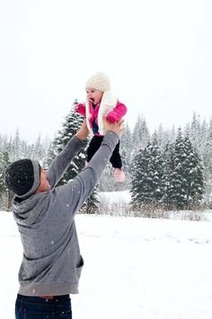 Adorable daddy + daughter moment in the snow! She'll be too small this winter. Next year. Snow Photography, Children Photography, Family Photography, Photography Poses, Infant Photography, Birthday Photography, Winter Pictures, Cute Pictures, Family Pictures