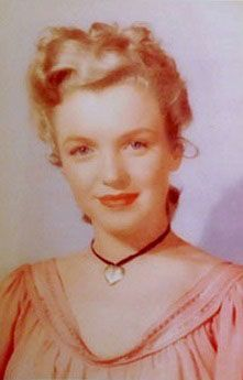 Marilyn Monroe (Norma Jean Baker) rare early pic
