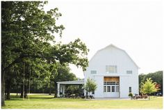 30 of the Country's Most Beautiful Barns for Weddings