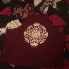Maroon crop top Like new, minor piling, large but fits a medium. Feel free to ask anything, thanks  PacSun Tops Crop Tops