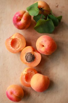 Did you know that in our body scrub there are apricot kernels to gently exfoliate your skin and this skincare leaves a delicious fruity fragrance on your skin! Try out Tickle Me www.pulpedevie.fr/en/produit/tickle-me/
