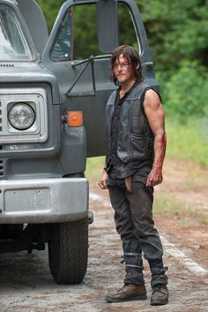 Norman Reedus talks The Walking Dead Season 6. OMG Norman (aka Daryl) was fo freaking hot in the midseason finale. with in the first 5 minutes of the episode me and my bestie were seriously crying because he was so freaking hot!