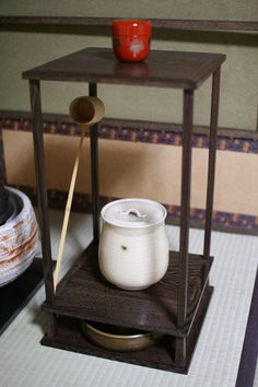 Tales of Japanese tea: New utensil stand and nightmare