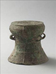 Tambour miniature - Culture de Dong Son (env. 500-100 av. J.-C.) - .   Copyright  © Stéphane Piera / Musée Cernuschi / Roger-Viollet