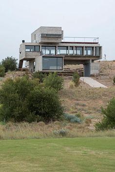 House in La Costa Partido by Luciano Kruk Arquitectos