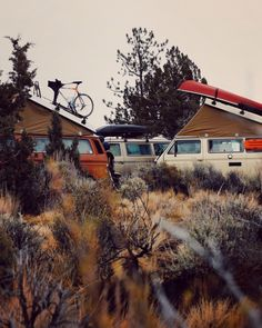 Scott Channing Hall. Vans parking | Pinterest: Natalia Escaño
