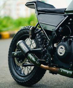Enfield Bike, Enfield Himalayan, Mitsubishi Cars, Royal Enfield, Custom Bikes, Bae, Motorcycle, Shorts, Instagram