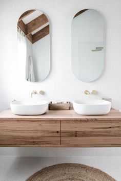 Australian bathroom trends: May 2019 edition - The Interiors Addict The Effective Pictures We Offer You About small bathroom vanity A quality picture can tell you many things. Bathroom Layout, Bathroom Interior Design, Bathroom Styling, Interior Logo, Interior Plants, Reece Bathroom, Small Bathroom, Master Bathrooms, Minimal Bathroom