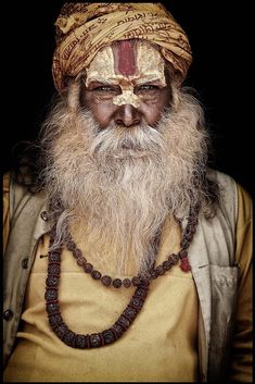 Mario Gerth travelled across India and Nepal to photograph Sadhus, the Hindu holy men who live their lives away from everyday society, shunning home comforts for a life spent inside caves, forests and temples Beauty Around The World, People Around The World, Mario, Amazing India, Face Forward, Makeup Designs, Hanuman, Great Pictures, Holi