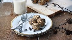 Boules d'énergie au beurre d'arachides et chocolat Healthy Snacks, Healthy Eating, Energy Balls, Cold Meals, I Want To Eat, Granola, Muffins, Kids Meals, Biscuits