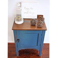 Beautiful #silkyoak side table given a lift in #anniesloanpaint Aubusson Blue #vintage #antique #brisbane #qld #womenwhodiy #paintedfurniture #furniturerestoration #recycledfinds #restoredfurniture #silkyoak #tigeroak #interiors #sustainable