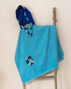 Hooded Towel Poncho, Personalized, in Turquoise & Royal blue. Boy or Girl print (your choice). Bath Towel. Beach towel.
