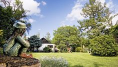 Garden Sculpture, Outdoor Decor, Plants, Home Decor, Decoration Home, Room Decor, Plant, Home Interior Design, Planets