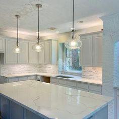 Home Decor Kitchen, Interior Design Kitchen, New Kitchen, Kitchen Island, Kitchen Lamps, Kitchen Paint, Kitchen Curtains, Brown Kitchens, Cool Kitchens