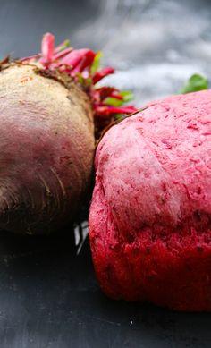Pan de Betarraga | Cherrytomate Vegetables, Cooking, Food, Bread Recipes, Healthy Breads, Beets, Kitchen, Cuisine, Koken