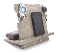 Amazon.com: Wooden iPhone Docking Station, Universal Cell Phone Dock, iPhone 6, iPhone 5, iPhone 4, Samsung Galaxy, Android (Classic Gray-non personalized): Cell Phones & Accessories